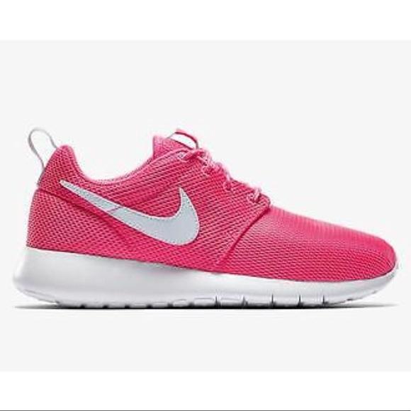 newest beb10 fa79c Nike roshe one pink white women s shoes size 7